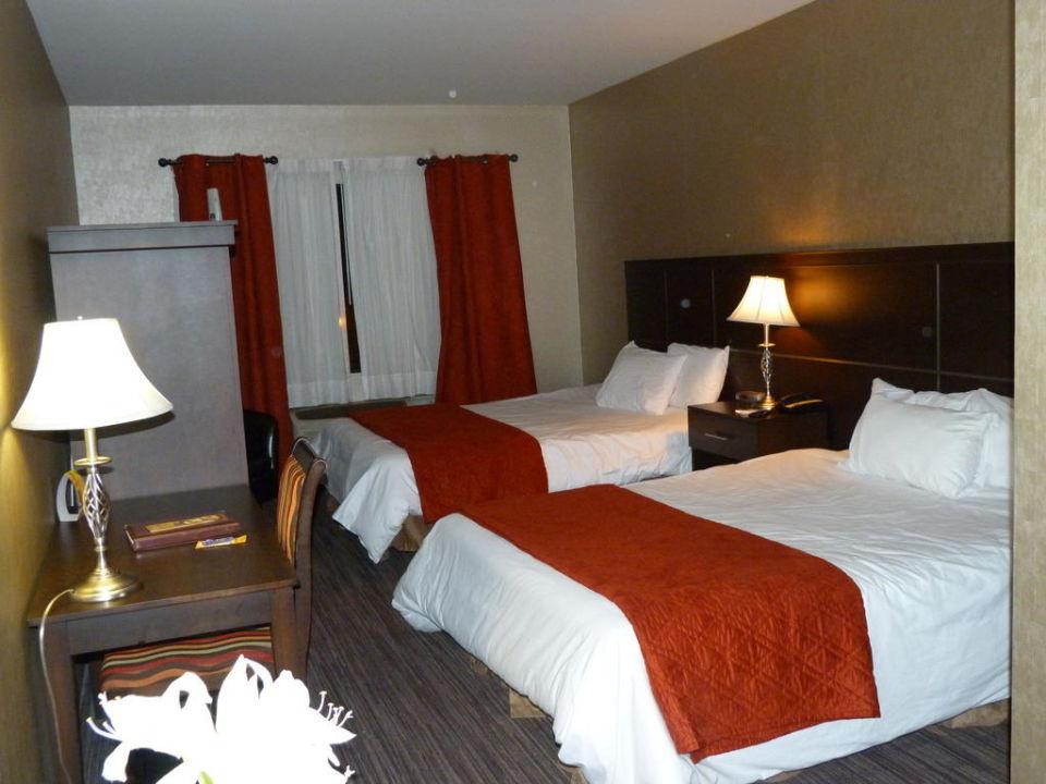 Zimmer in Ordnung - keine Luft Hotel Ambassadeur Et Suites