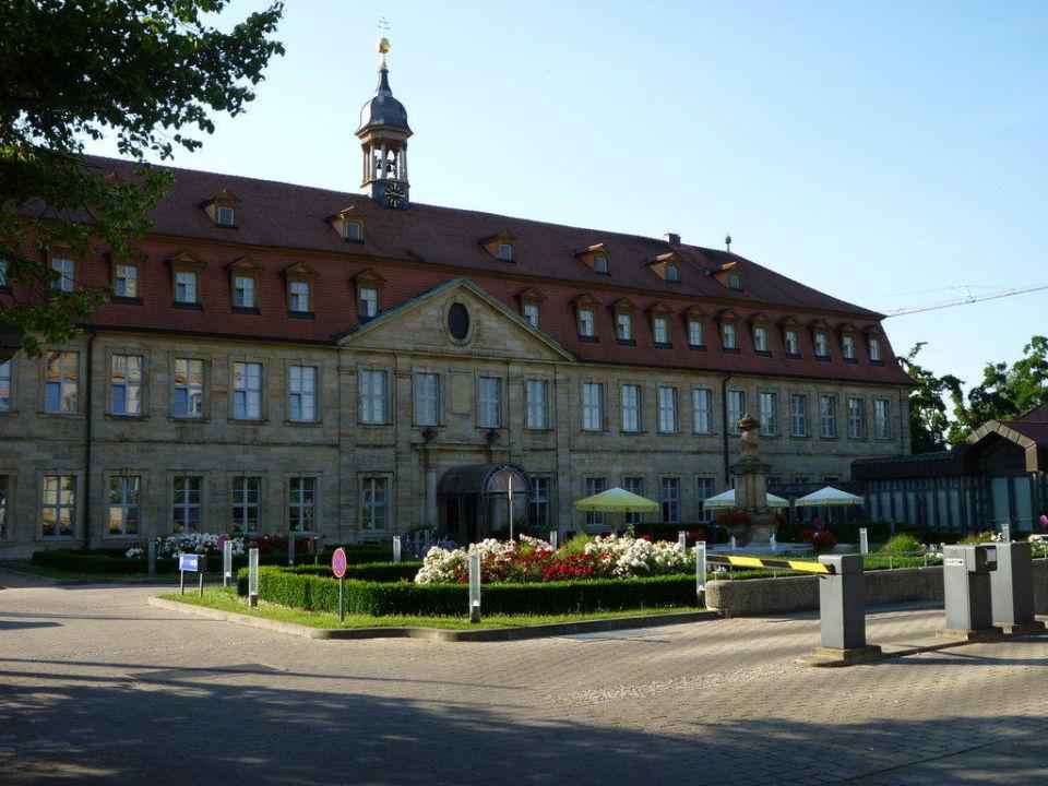Hauptgebäude und Eingang Welcome Hotel Residenzschloss