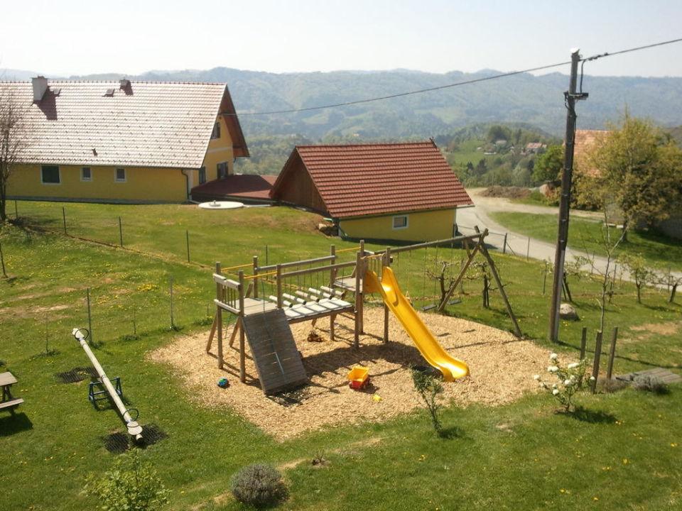 """Sehr Gut Spielplatz im Garten"""" Weingut Kollerhof Lieleg in Leutschach  RH87"""