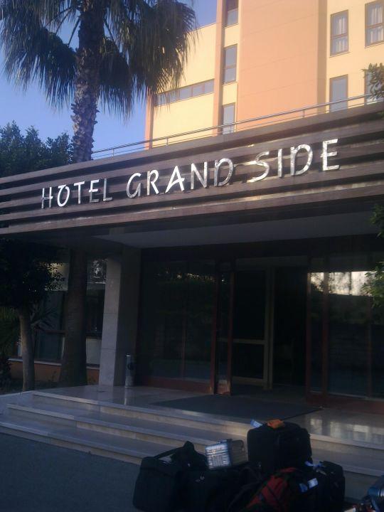 Das schönste an der Rezeption war das Aquarium Hotel Grand Side