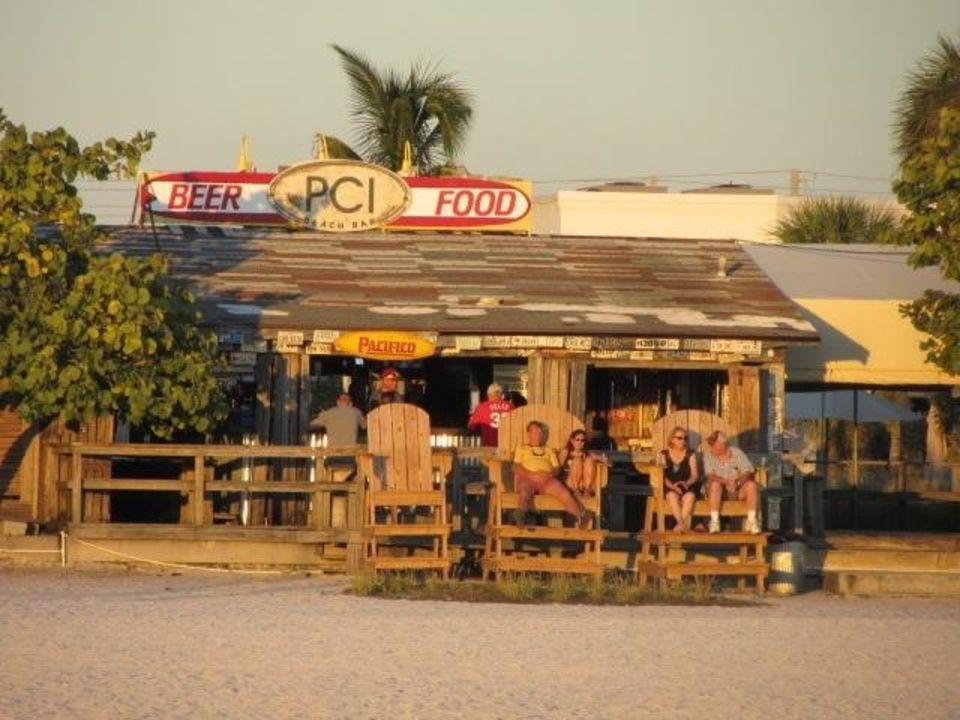 Zimmer Postcard Inn on the Beach