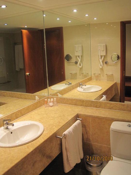 Badezimmer Platten Selber Streichen : Schlafzimmer renovieren teil bild ~ Bild Badezimmer der Juniorsuite zu