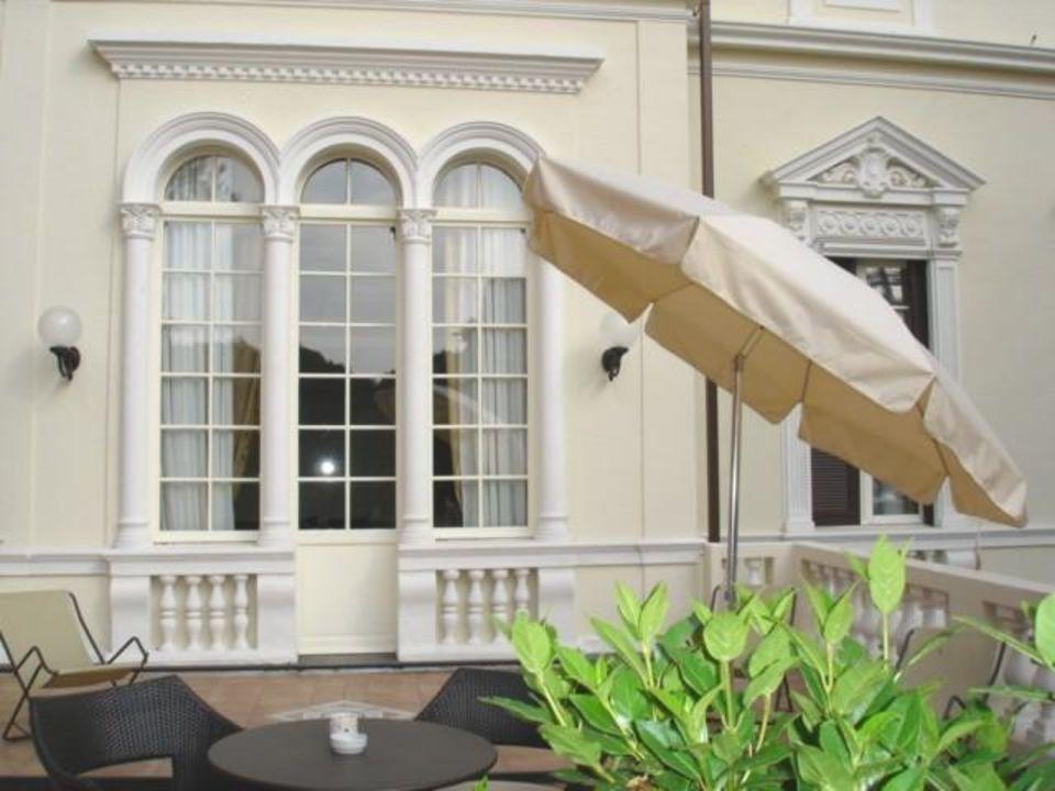 La vasca idromassaggio della Dimora 108 Villa Imperiale