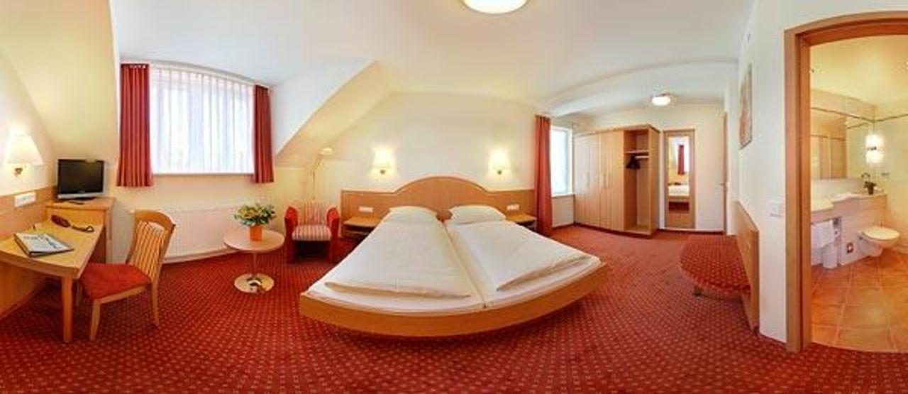 Suite 304 Hotel Kriemhild am Hirschgarten