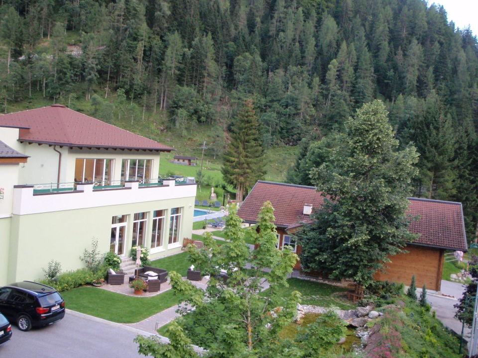 Hotelanlage von außen Alpin Life Resort Lürzerhof