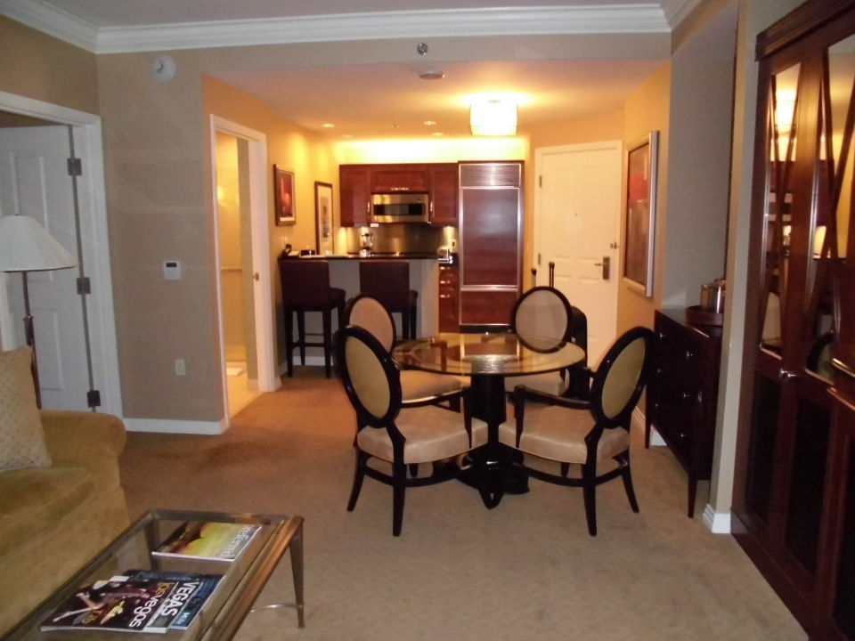 wohnzimmer küche zusammen:Küche und wohnzimmer zusammen : Bild Wohnzimmer mit Küche und Bar zu