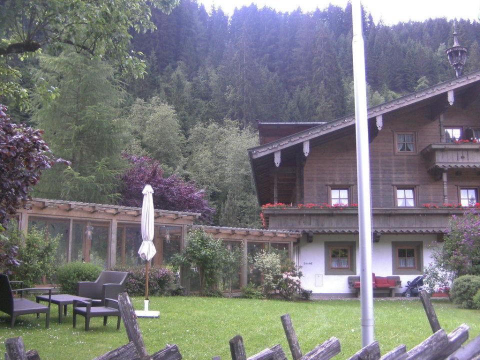 Haupteingang Haupthaus Kinderhotel & Bauernhof-Resort Habachklause