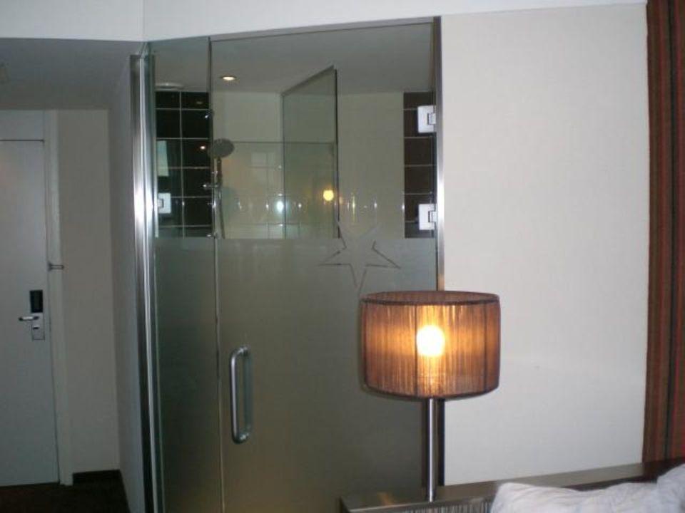 """Hotel Amsterdam Dusche Im Zimmer : im Glaskasten"""" zu WestCord City Centre Hotel Amsterdam in Amsterdam"""