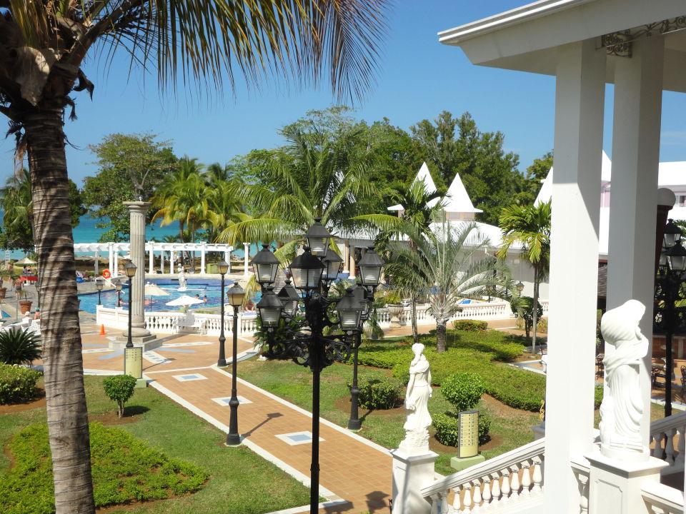 Von der Lobby zum Pool Hotel Riu Palace Tropical Bay