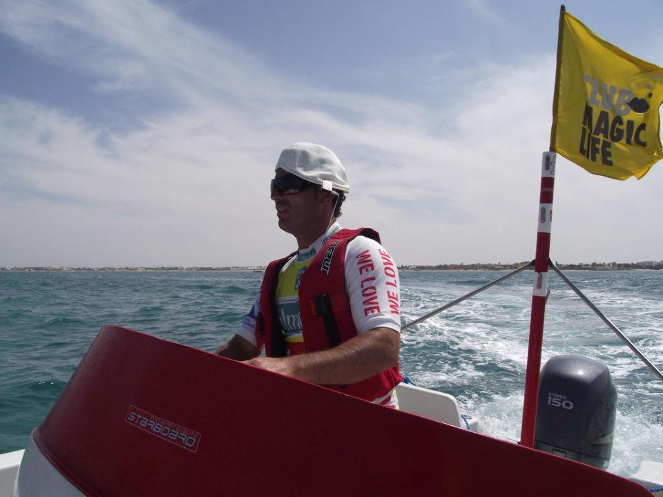 Wassersportchef begleitet Katamaran-Törn TUI MAGIC LIFE Penelope Beach