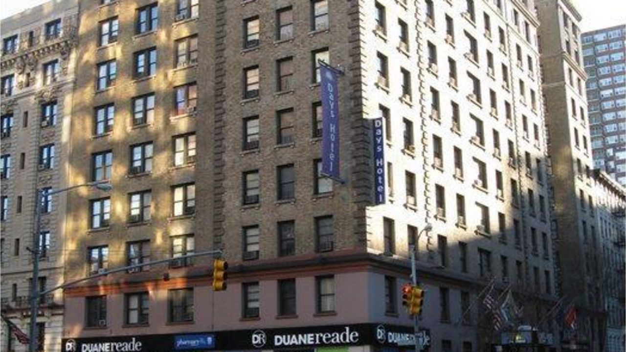days inn hotel new york city broadway new york. Black Bedroom Furniture Sets. Home Design Ideas