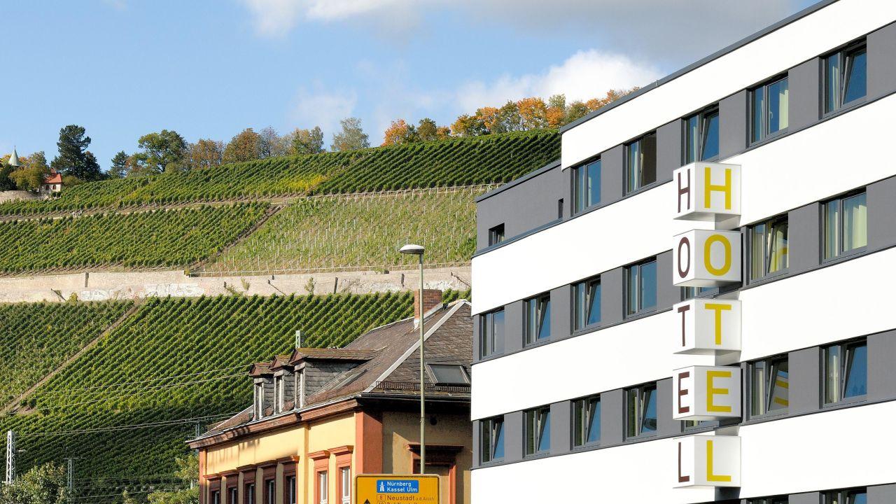 B b hotel w rzburg w rzburg holidaycheck bayern for Hotels in wuerzburg