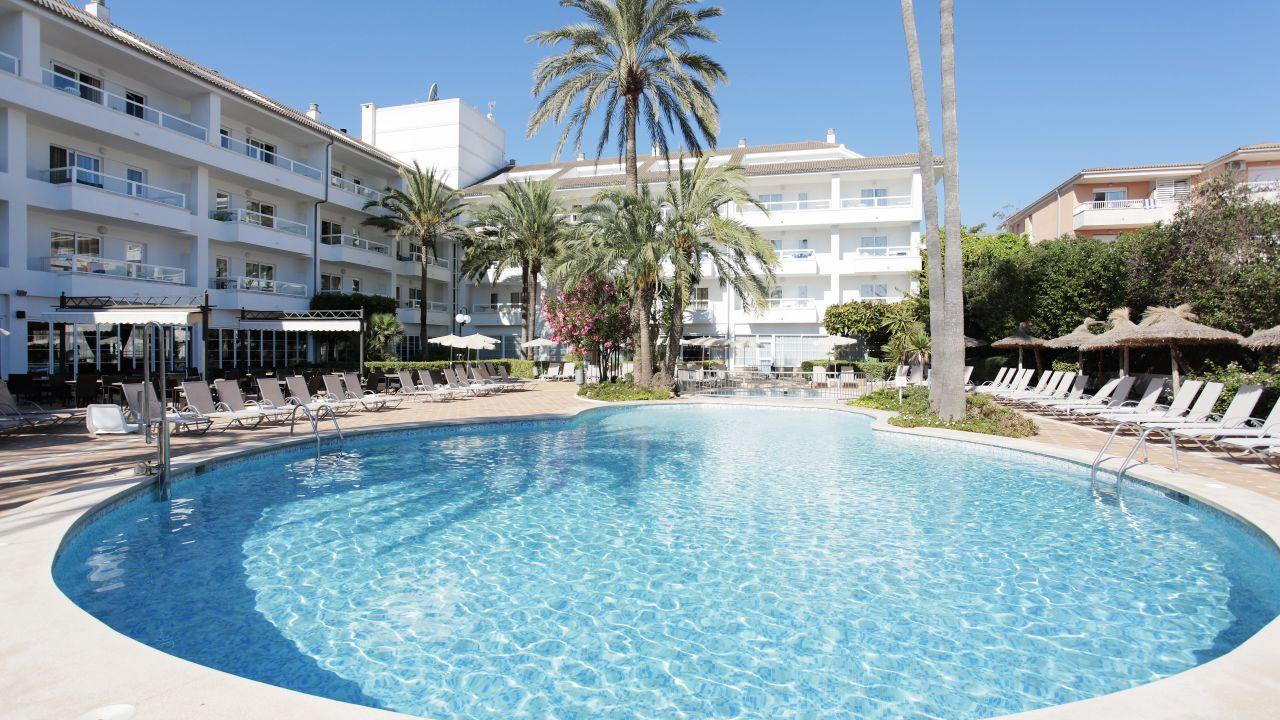 Platja De Muro Hotels