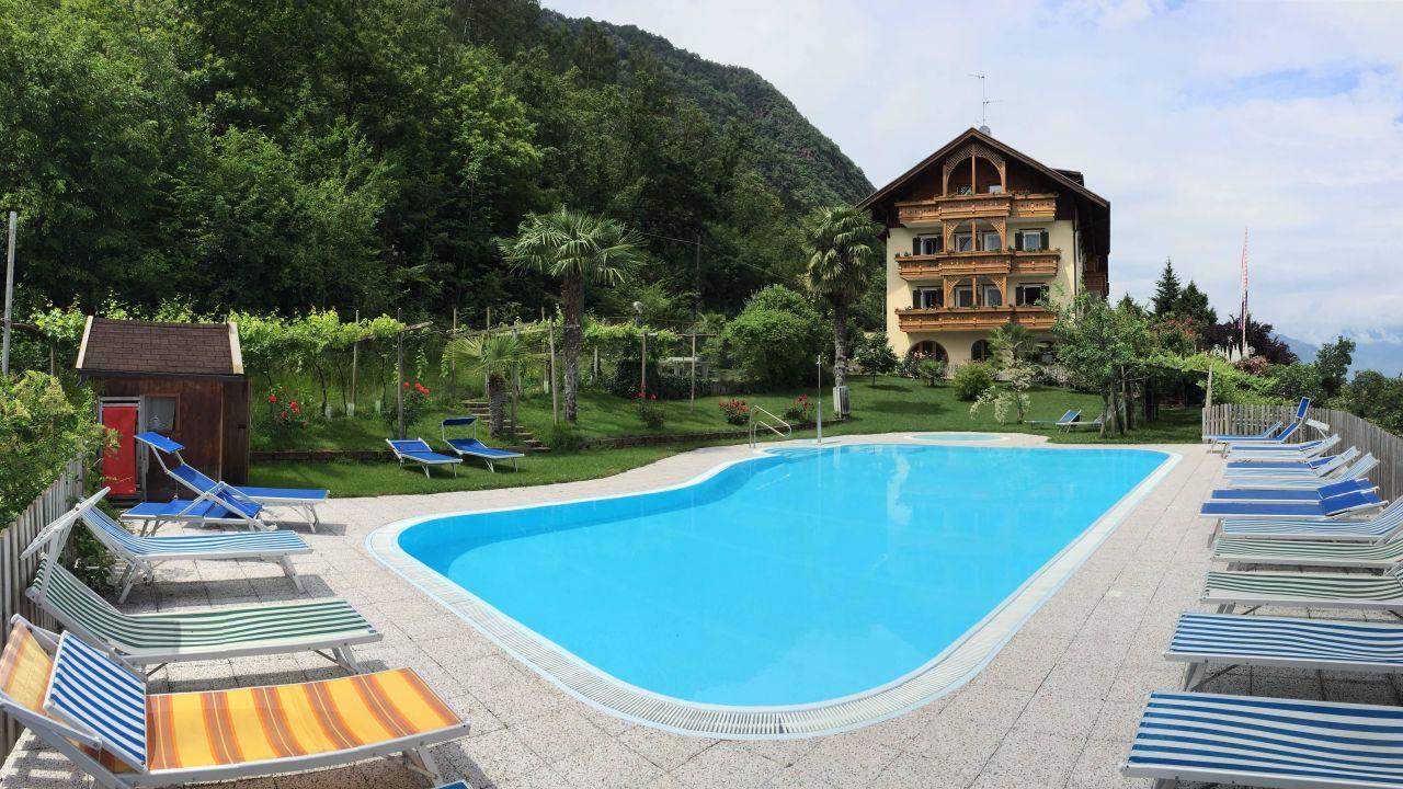 Hotel tannhof in kaltern holidaycheck s dtirol italien for Hotel kaltern