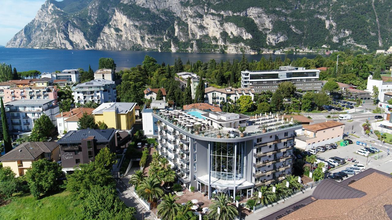 Hotel Kristal Palace Tonellihotels Riva Del Garda Holidaycheck