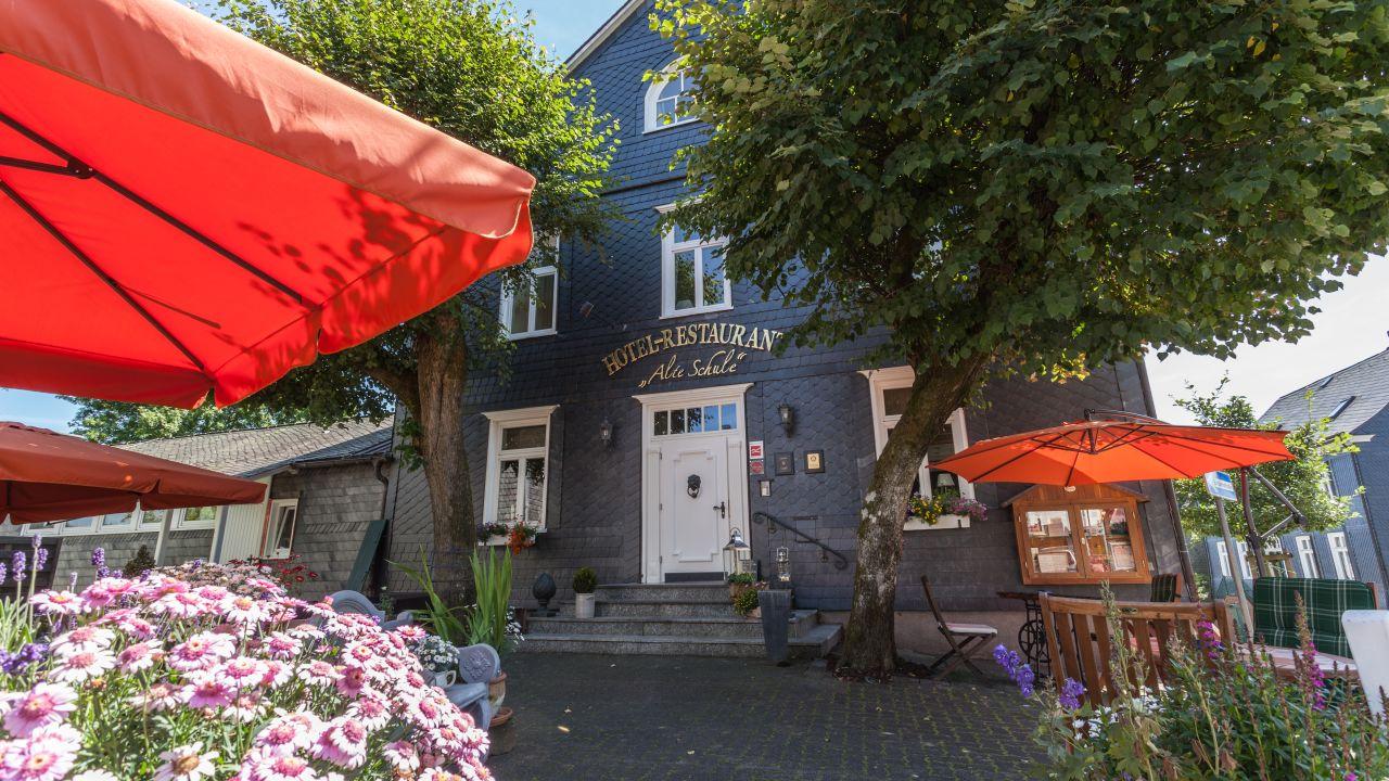 Hotel Alte Schule Berleburg (Bad Berleburg) • HolidayCheck ...