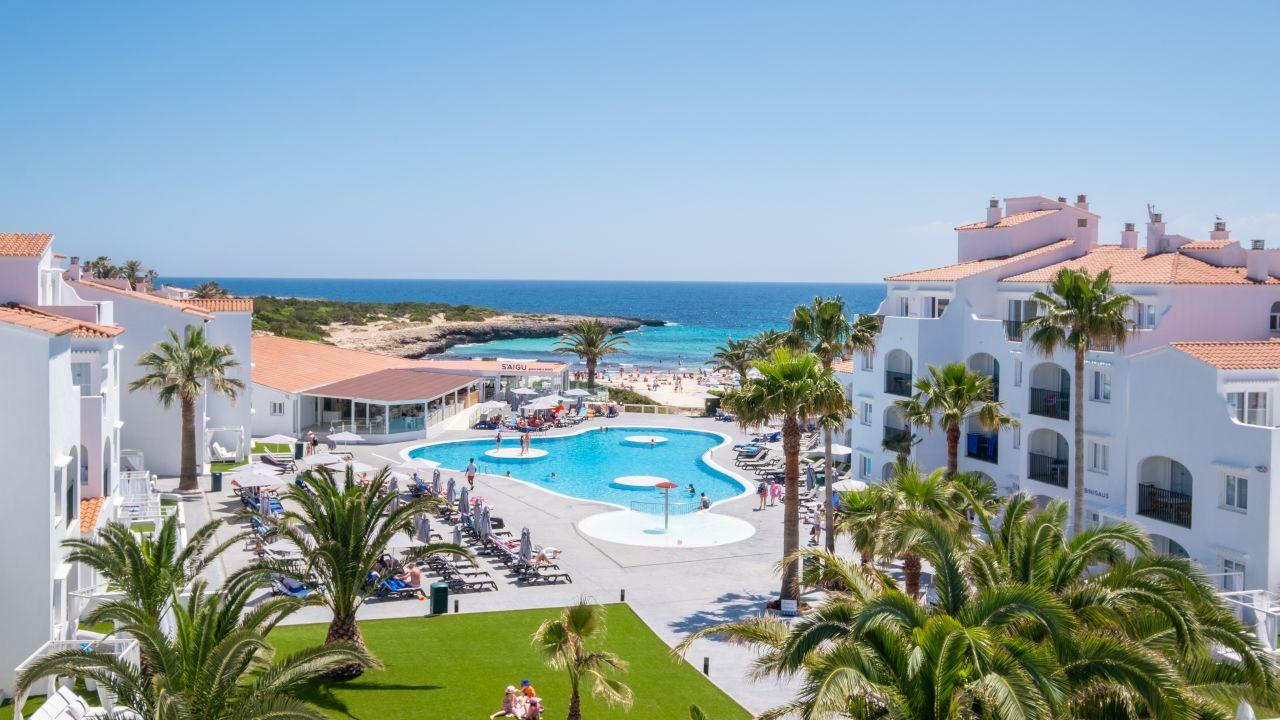 Bosch Kühlschrank Holiday : Carema beach menorca calan bosch u2022 holidaycheck menorca spanien
