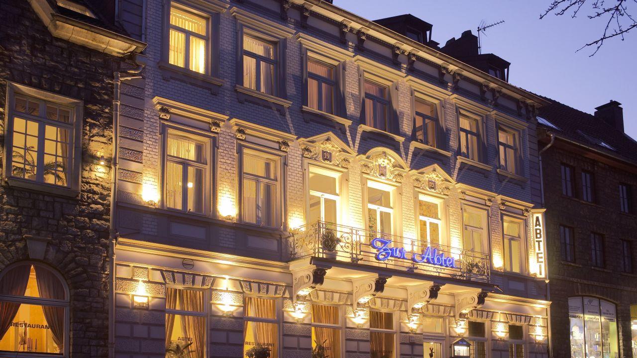 Design hotel zur abtei in aachen holidaycheck for Design hotel zur abtei