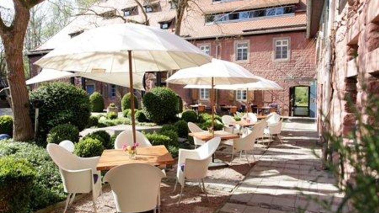 Hotel m hle am schlossberg wartenberg rohrbach for Designhotel pfalz