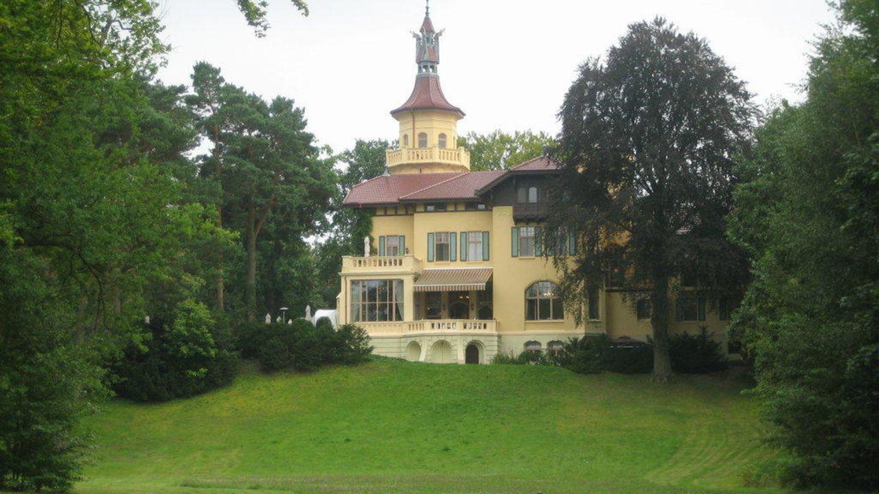 Schloss Hubertushöhe Storkow