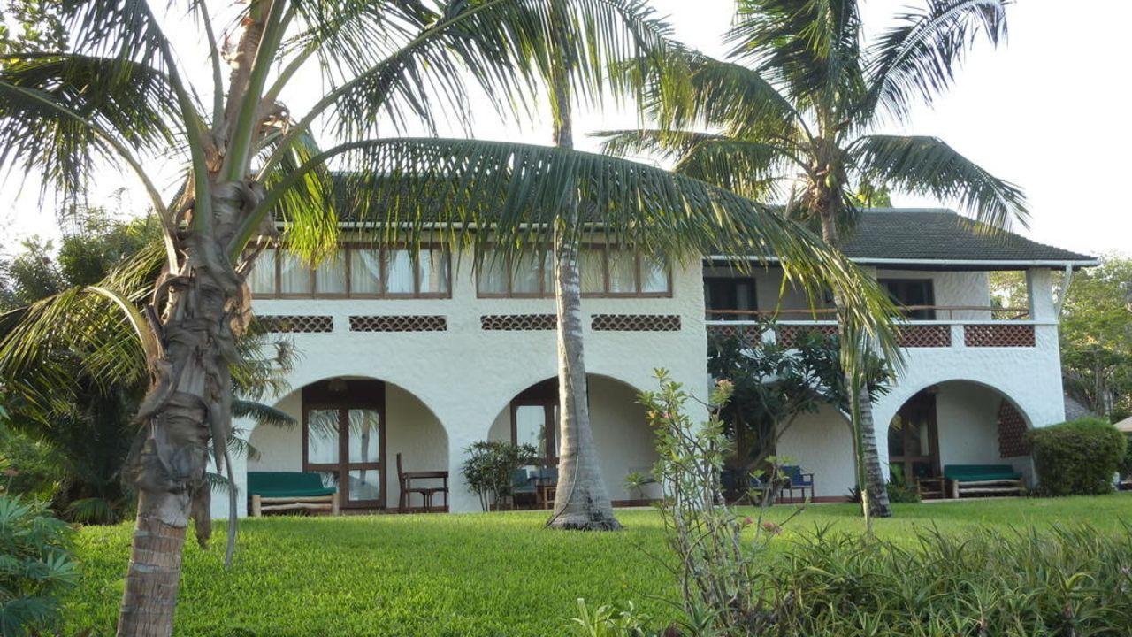 Pinewood Beach Resort and Spa Hotel 34