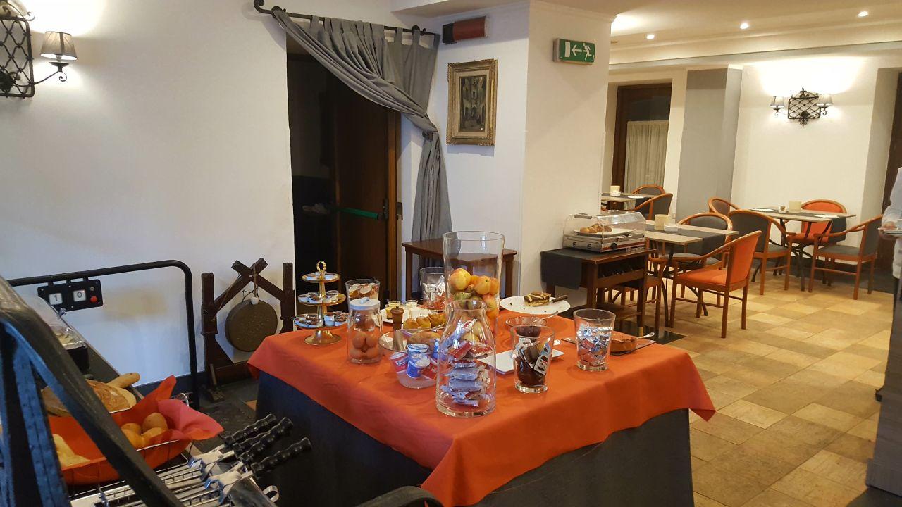 Hotel Real Orto Botanico Neapel Holidaycheck Kampanien Italien