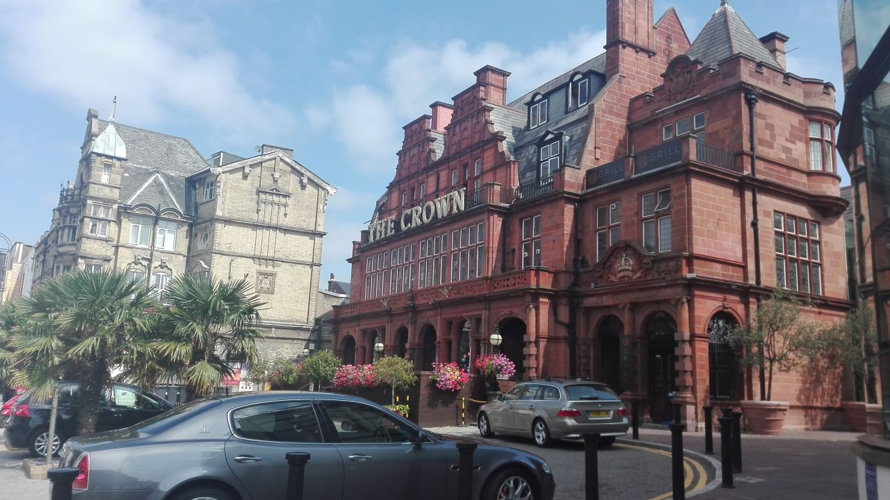 Clayton Crown Hotel Cricklewood London