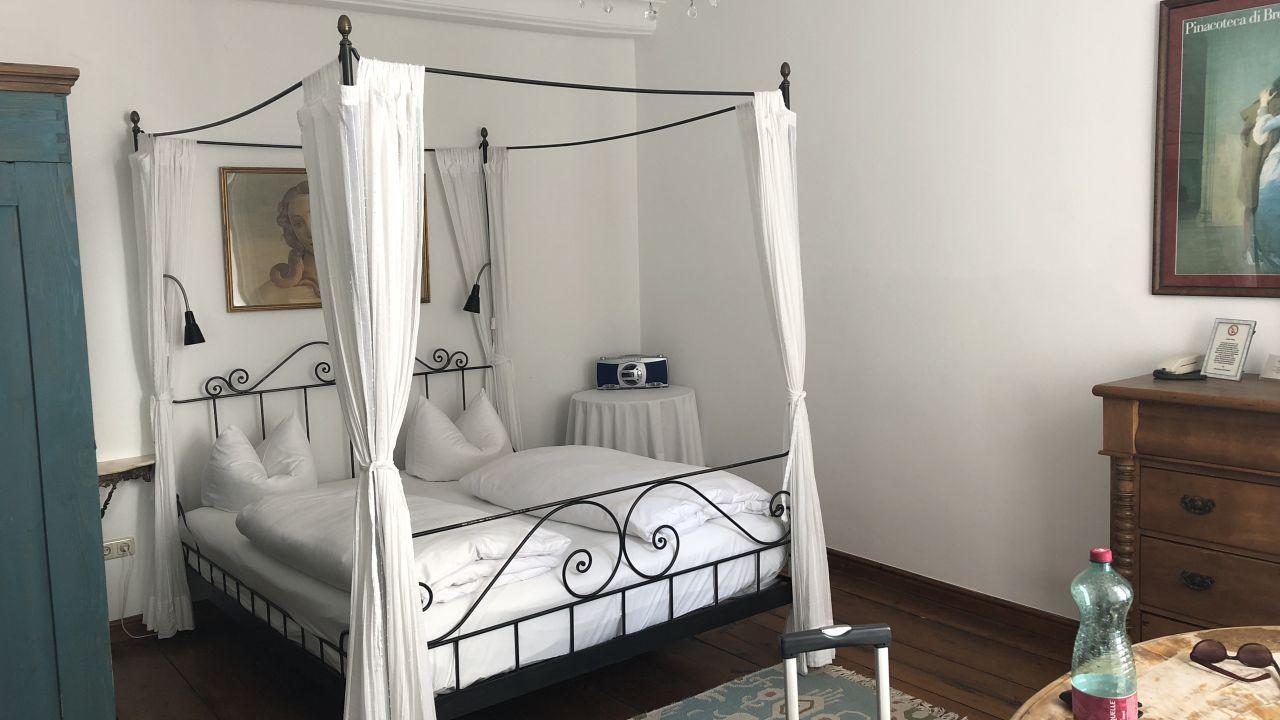 hotel orphee kleines haus regensburg holidaycheck. Black Bedroom Furniture Sets. Home Design Ideas