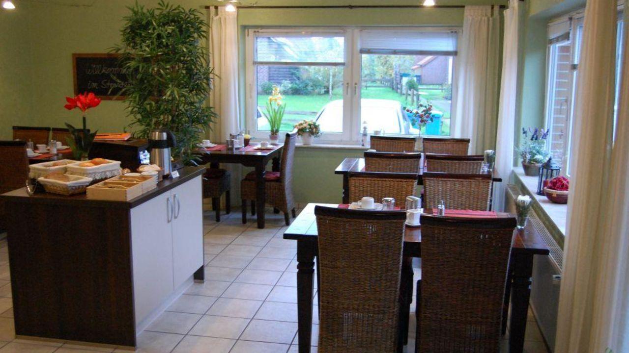 pension villa strandl ufer in norden holidaycheck. Black Bedroom Furniture Sets. Home Design Ideas