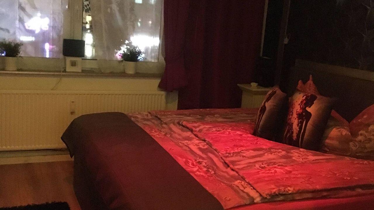 pension chez ronny in hamburg holidaycheck hamburg. Black Bedroom Furniture Sets. Home Design Ideas
