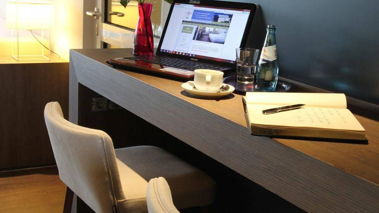 sachsenpark hotel in leipzig holidaycheck sachsen. Black Bedroom Furniture Sets. Home Design Ideas