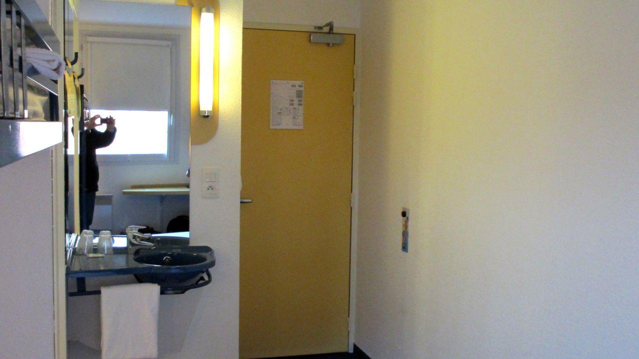 Hotel ibis budget paris porte de la chapelle in paris holidaycheck gro raum paris frankreich - Ibis budget porte chapelle ...