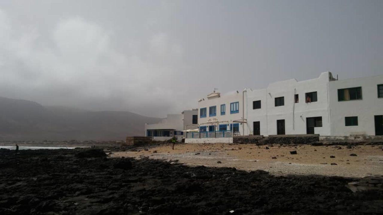 Juanita Beach (Famara) • HolidayCheck (Lanzarote