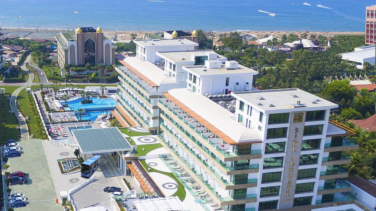 Hotel Side Sungate