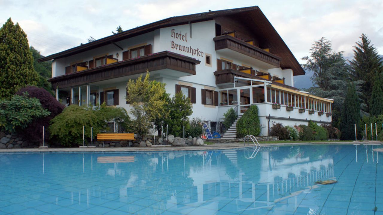 Hotel brunnhofer tirolo dorf tirol holidaycheck for Design hotel dorf tirol