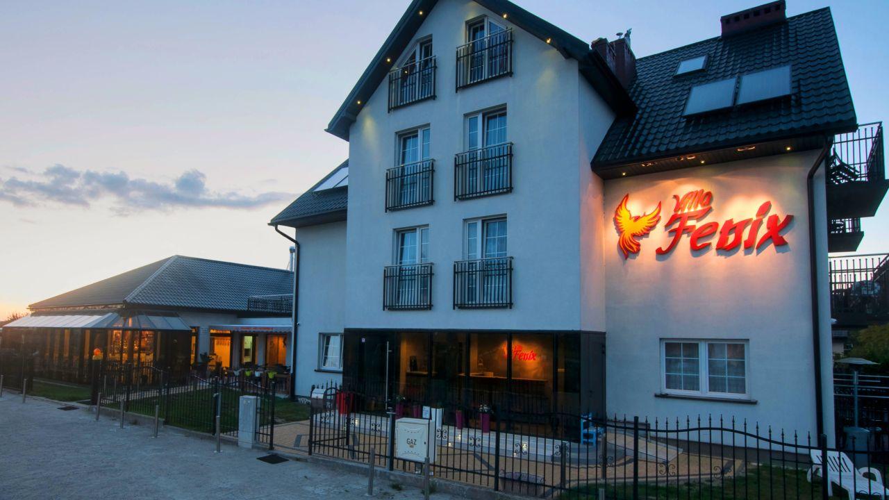 Villa Fenix (Ustronie Morskie/Henkenhagen) • HolidayCheck ...