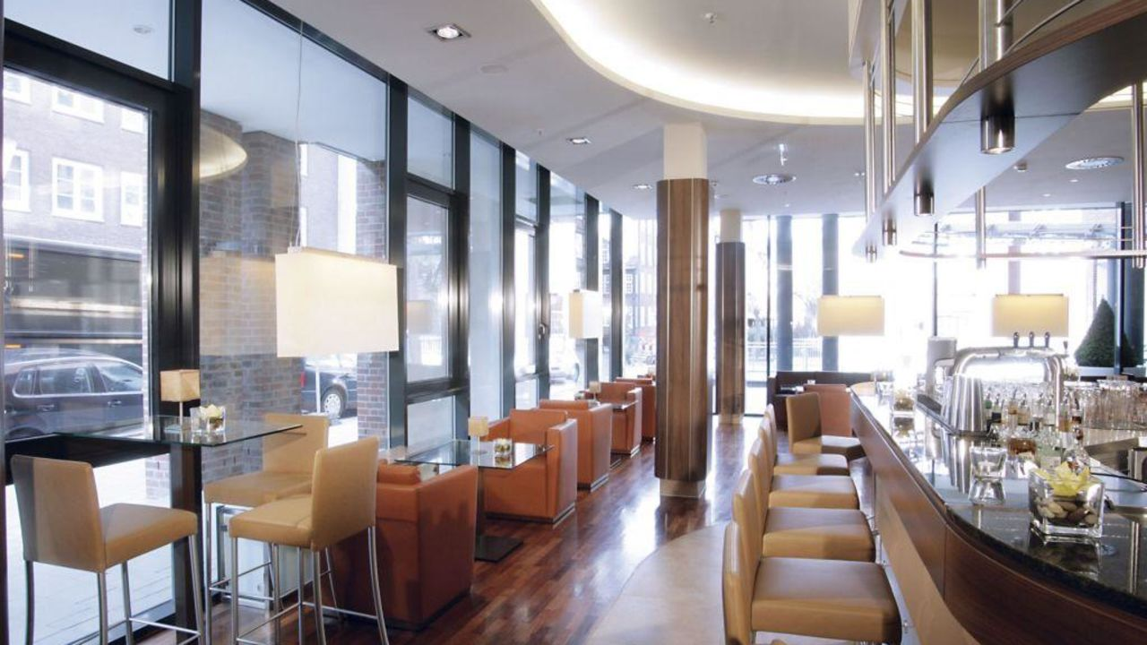 lindner hotel am michel in hamburg holidaycheck hamburg deutschland. Black Bedroom Furniture Sets. Home Design Ideas