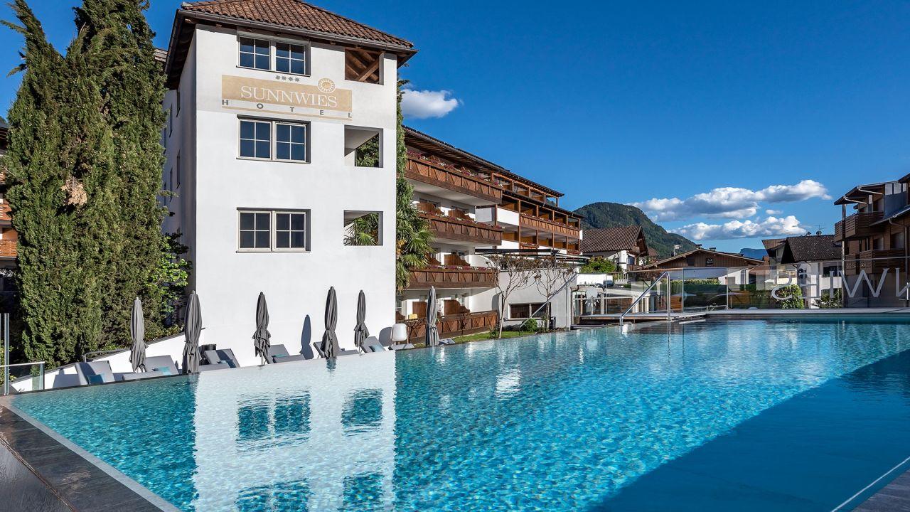 Hotel Sunnwies Scena Schenna Holidaycheck Sudtirol Italien