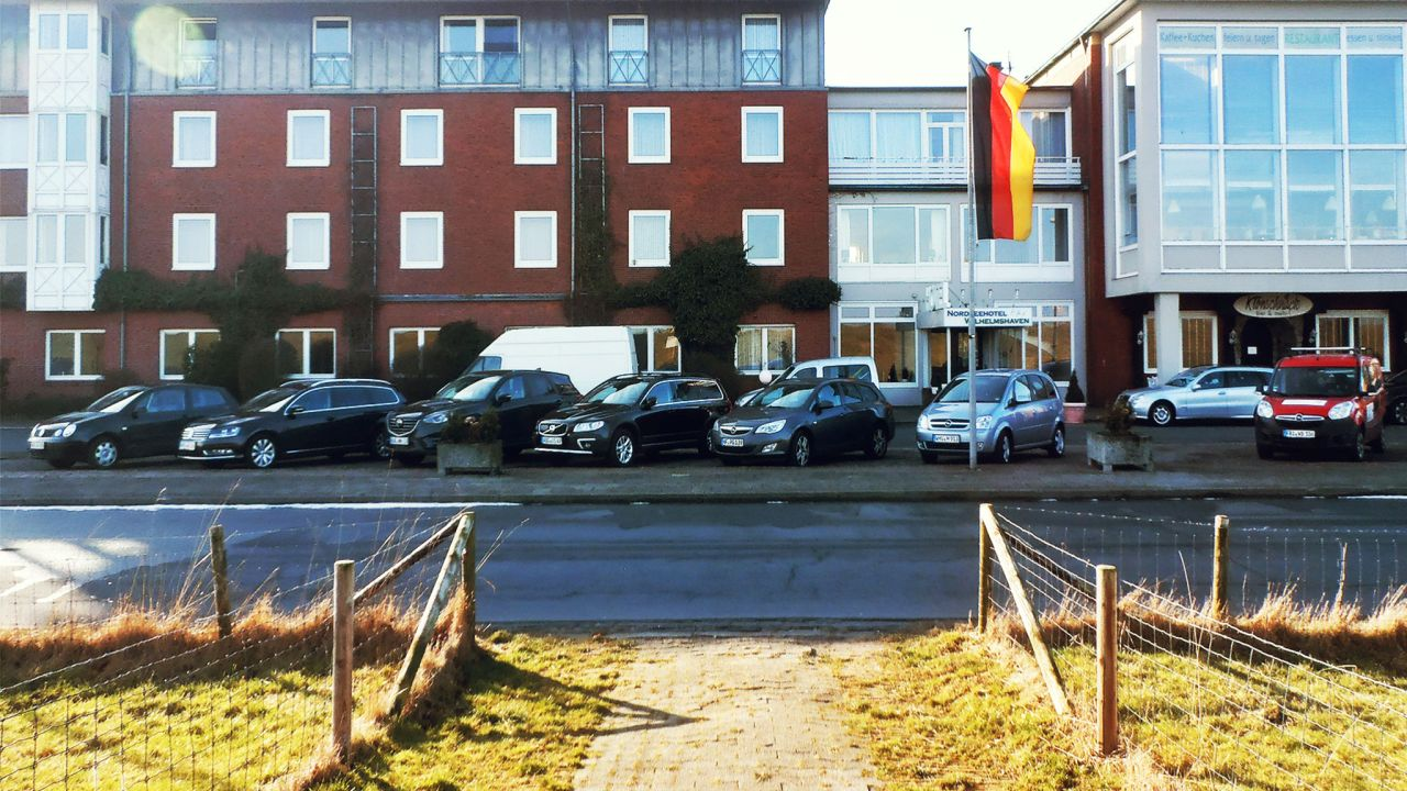 wilhelmshaven gay personals One man bids farewell to craigslist's shuttered personals section  i was alone  and gay in a conservative religious house—no gay bars,.