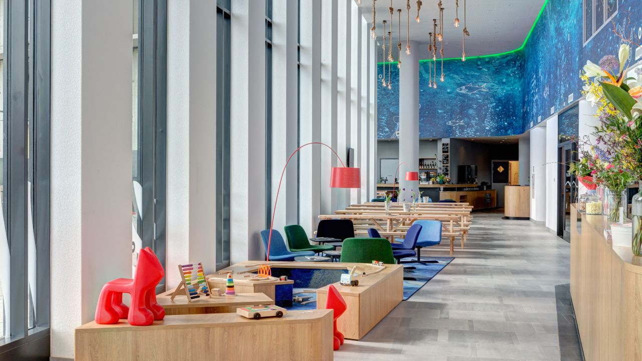 Meininger Hotel Amsterdam Amstel Amsterdam Holidaycheck