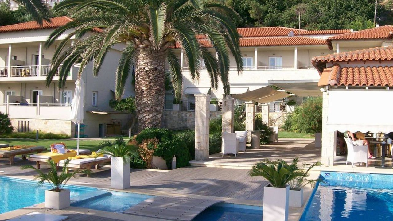 Afitis boutique hotel all deluxe afitos holidaycheck for Design boutique hotels chalkidiki