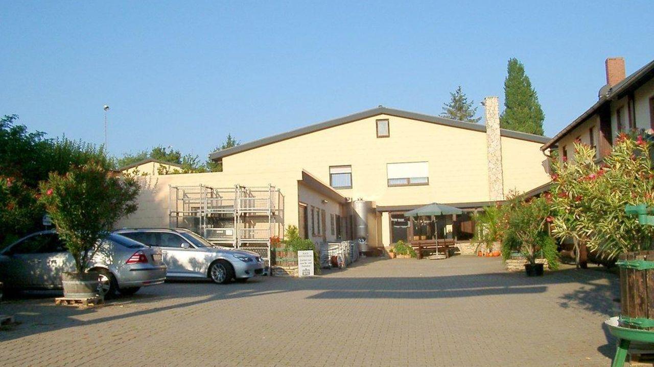 Weingut Hotel Haus Sonnenberg (Neuleiningen) • HolidayCheck ...