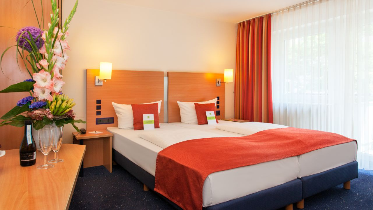 Favored Hotel Plaza Frankfurt Am Main Holidaycheck Hessen