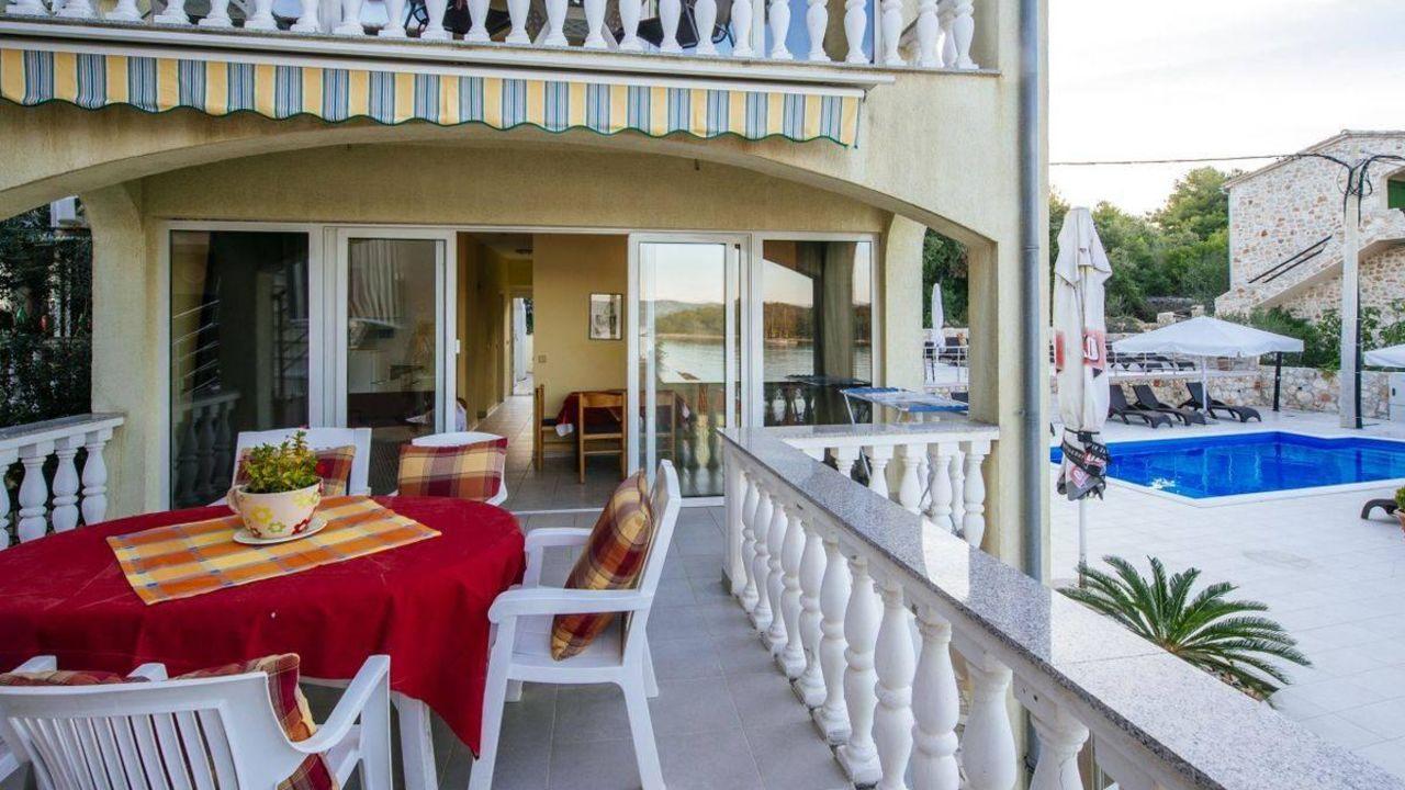 Strandhaus Vivien (Mali Iz) • HolidayCheck (Dalmatien | Kroatien)