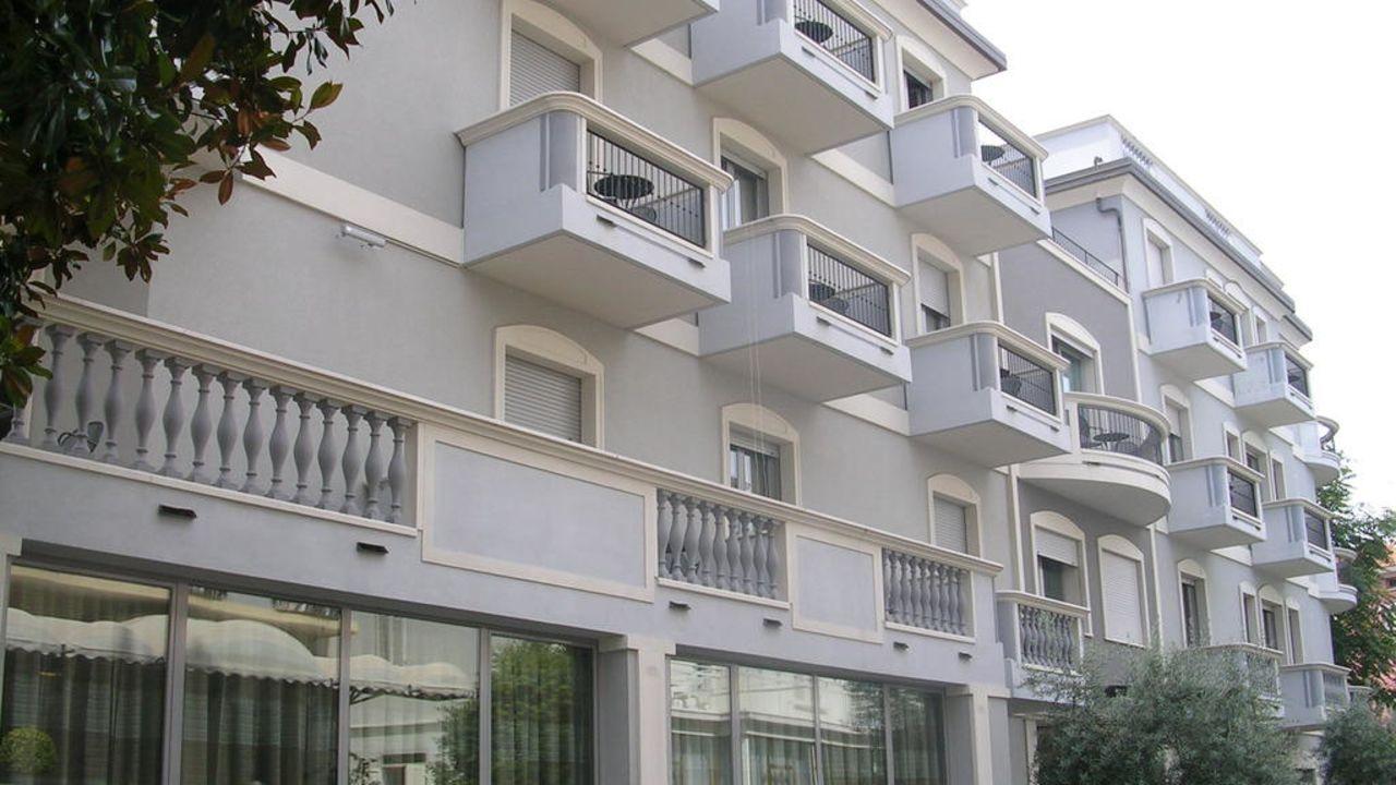 Sovrana Hotel And Re Aqva Spa