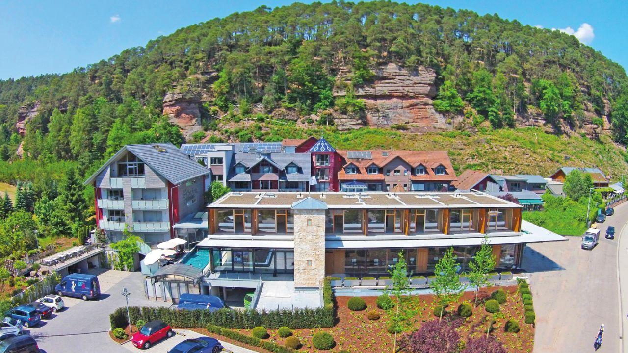 Hotel Felsenland (Dahn) • HolidayCheck (Rheinland-Pfalz ...
