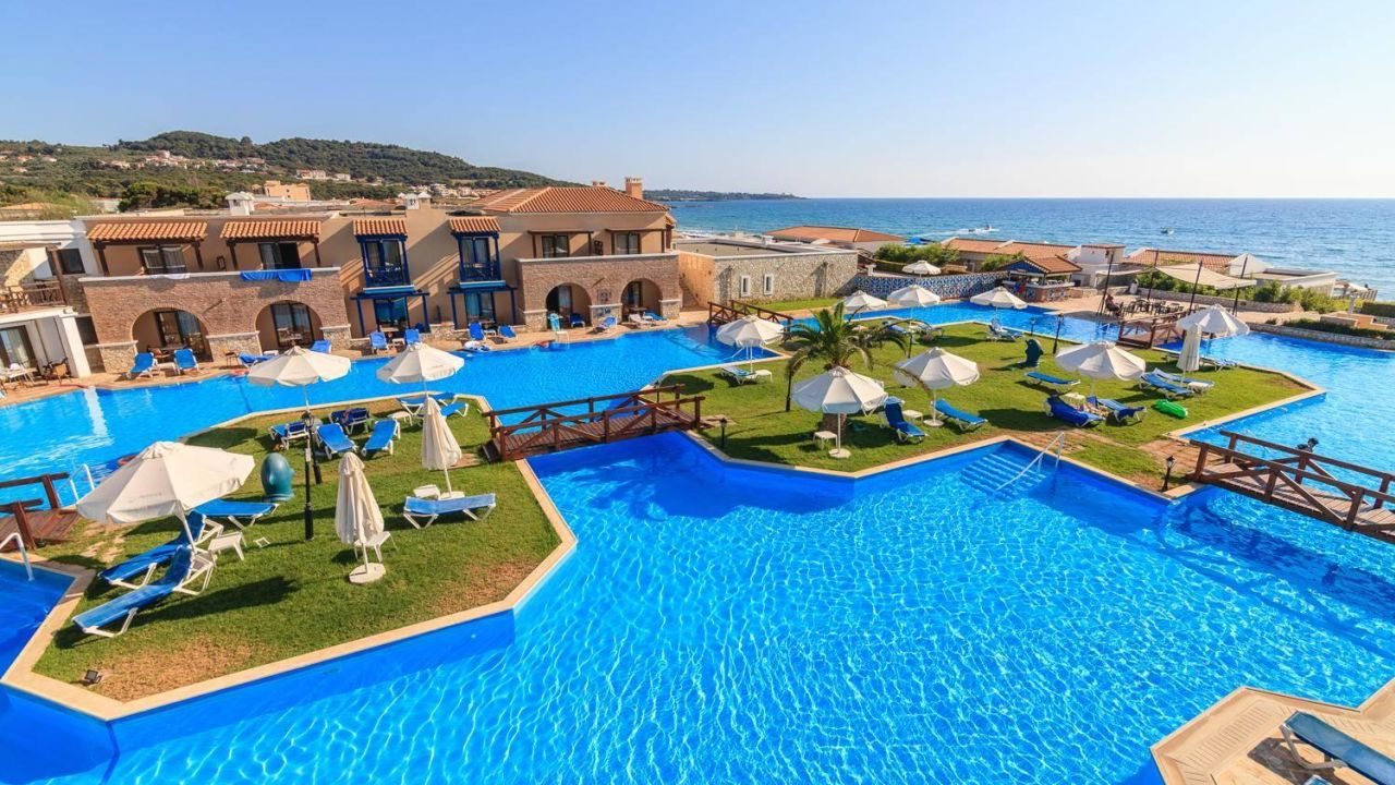 Aldemar olympian village skafidia holidaycheck for Top hotels griechenland