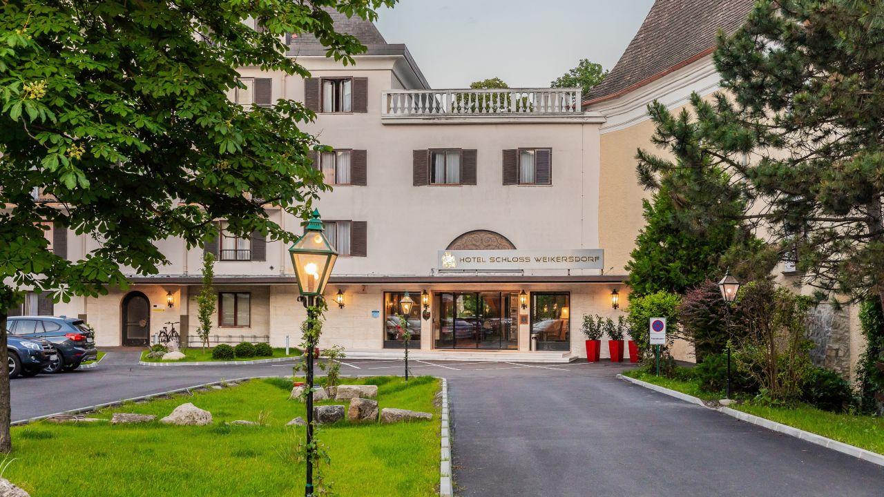 Hotel Schloss Weikersdorf Baden Bei Wien Holidaycheck