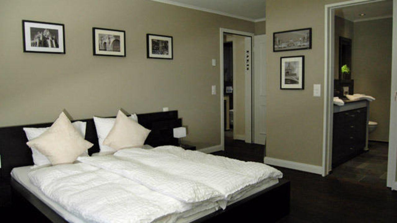 bed breakfast route 39 z rich holidaycheck kanton z rich schweiz. Black Bedroom Furniture Sets. Home Design Ideas