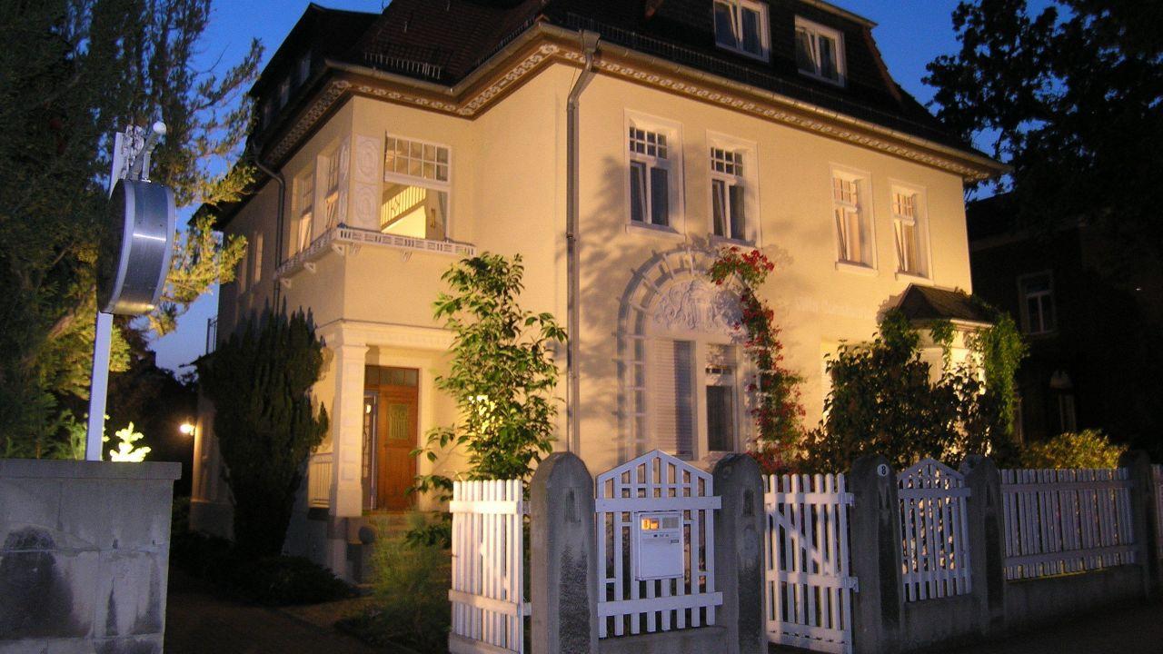 Hotel Pension Villa Constantia (Boxdorf) • HolidayCheck (Sachsen ...